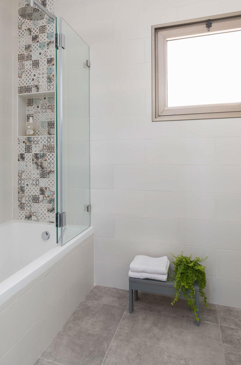 דירה ביהוד אמבטיה