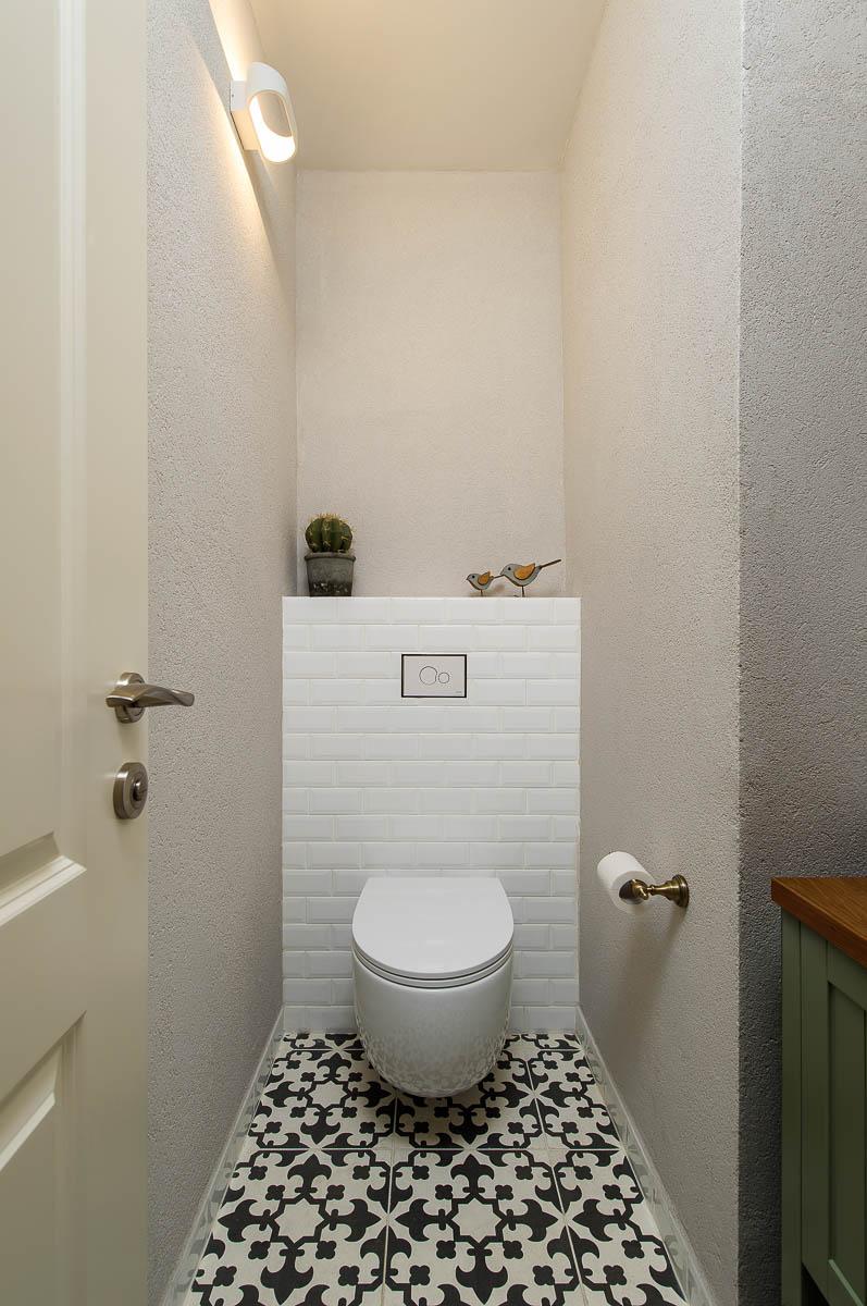 תכנון ועיצוב פנים חדרי אמבטיה ושירותים בדירה ביהוד 8